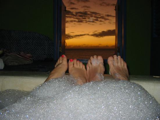 The Caves: Sunset in the private hot tub