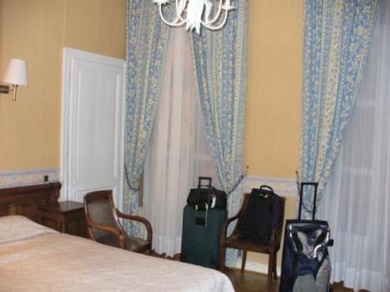 Hotel du Palais Bourbon: Big Room