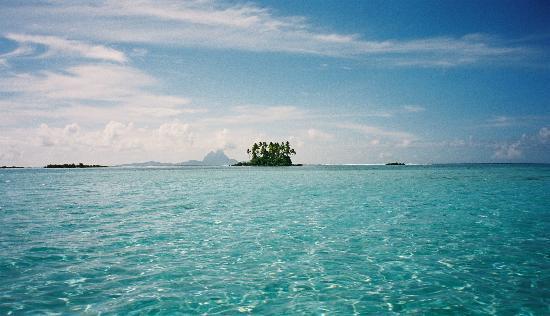Polynésie française : Lagune with a view on