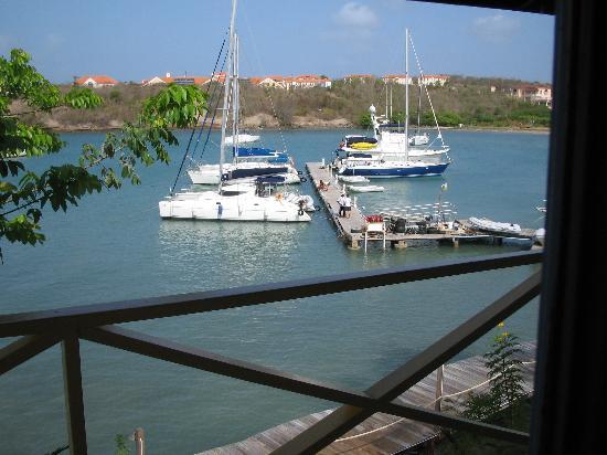 True Blue Bay Boutique Resort: balcony