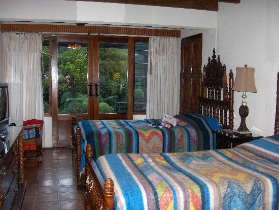 Hotel Atitlan: our single bed room at the hotel
