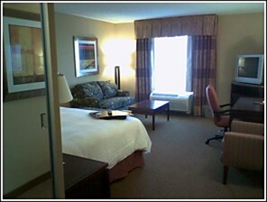 Hampton Inn & Suites San Antonio Airport Photo