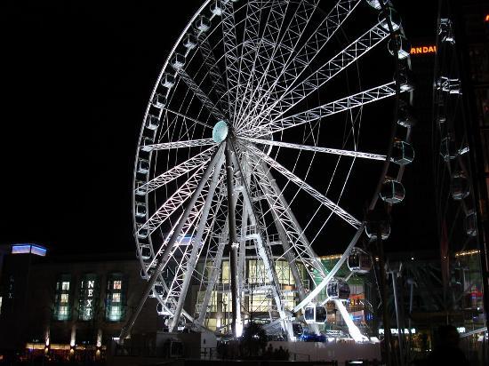 مانشستر, UK: Manchester wheel