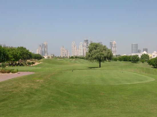 The Address Montgomerie Dubai Golf Course : Hole #1