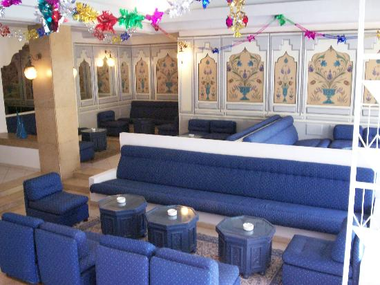 The Orangers Beach Resort & Bungalows : hall1