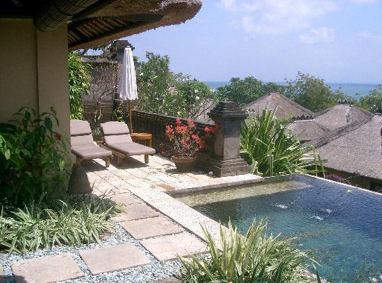 Four Seasons Resort Bali at Jimbaran Bay: pool area