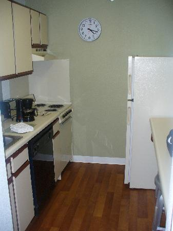 Extended Stay America - Dallas - Market Center: Kitchenette