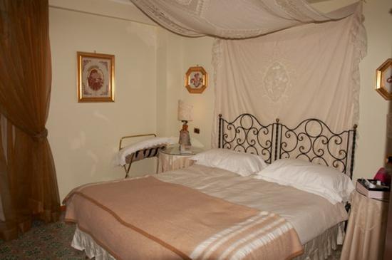 Hotel Villa Ducale Resmi