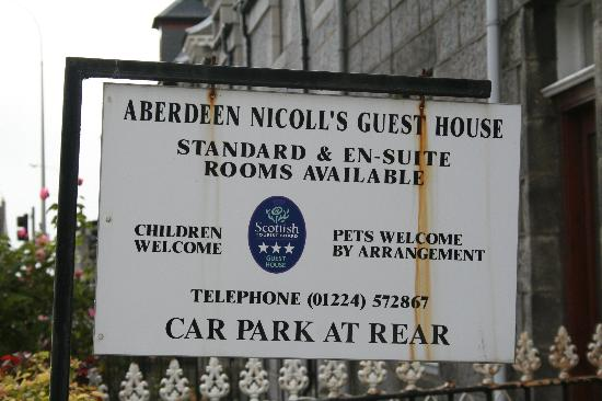 Cragganmore Guest House: Entry Sign