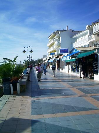 MedPlaya Hotel Pez Espada: Plenty of Shops