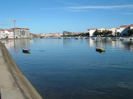 Apartamentos Pierre & Vacances Villa Maldagora: St Jean from Ciboure