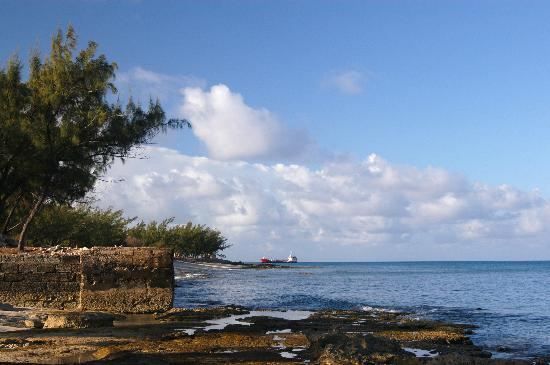 Pirates Hideaway By the Sea Guest House on Salt Cay Photo