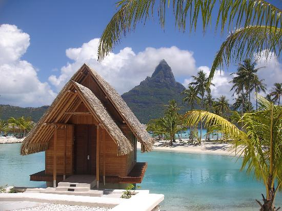 InterContinental Bora Bora Resort & Thalasso Spa: Small wedding chapel