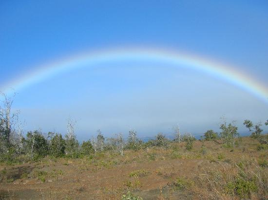 The Beach Villas at Kahalu'u: Hawaiian rainbow at VolcanoNP
