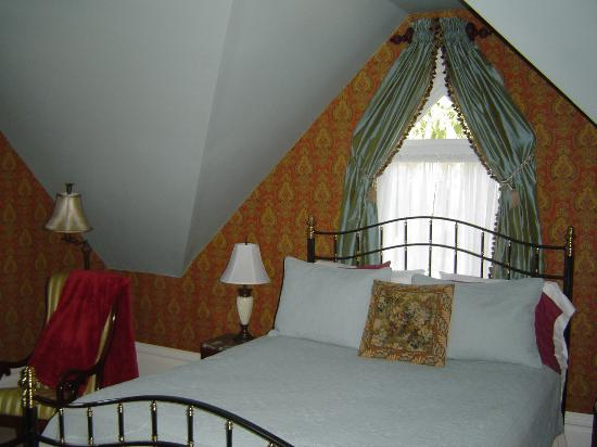 C'est La Vie Inn: Our beautiful bedroom