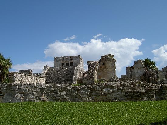 Tulum, Mexico: stones a plenty