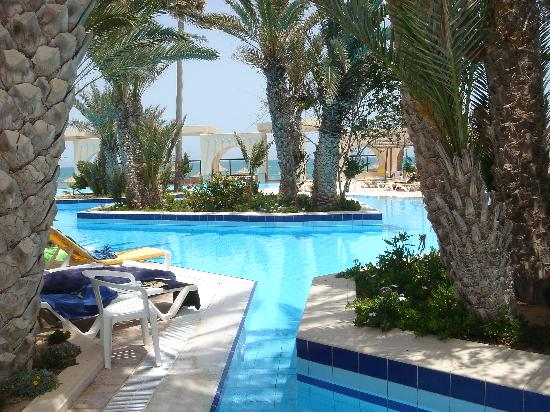 Zita Beach Resort: piscine