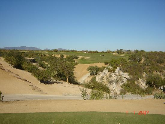 Los Cabos, México: #9 Fantastic dogleg left to finish the front nine. Don't go too far left!!