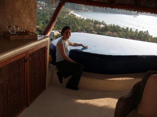 Hotel Cinco Sentidos: Me at the infinity pool