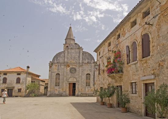 Svetvincenat church