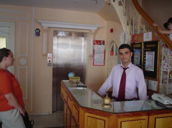 Askin Hotel: hotel lobby