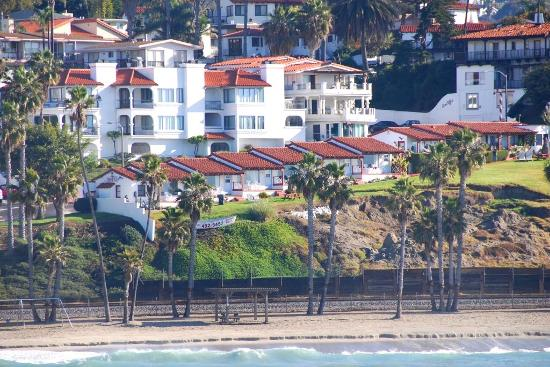 Beachcomber Inn: looking back from the Pier