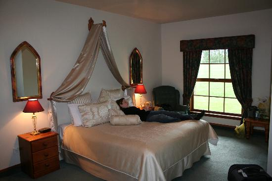 Fyffe Country Lodge: Superior Room