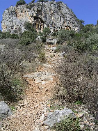 Dalyan: Climb to the rock tombs