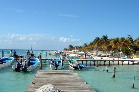 Hotel Posada Del Mar : fishing boats