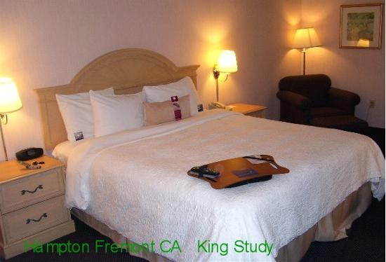 Hampton Inn Fremont: King Study