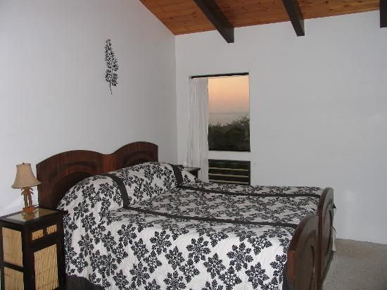 Hale Ho'onanea: Bamboo Suite Bedroom