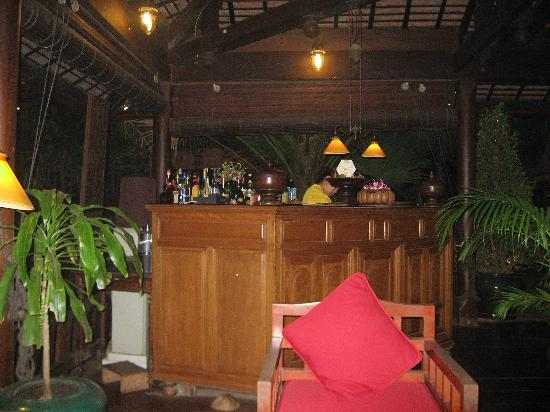 Angkor Village Hotel: Bar