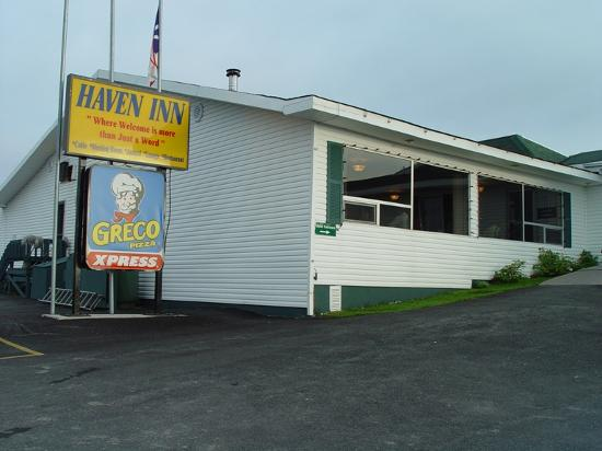 Haven Inn: View of the restaurant and sign