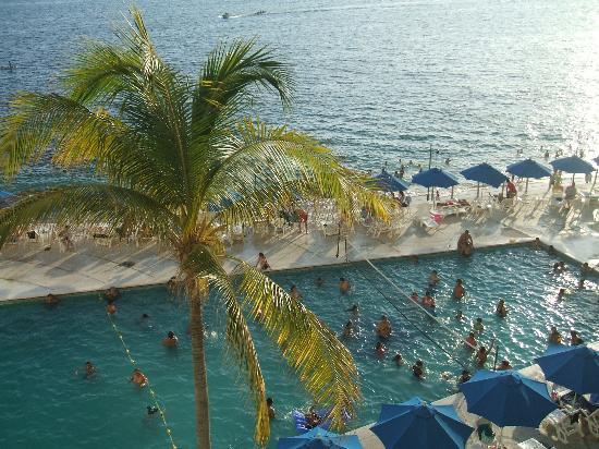 Las Torres Gemelas: pool