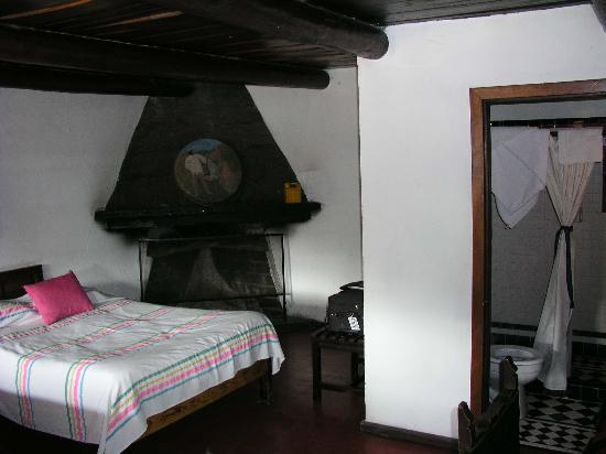 cusarare river sierra lodge: Room has 2 dbl beds and bath
