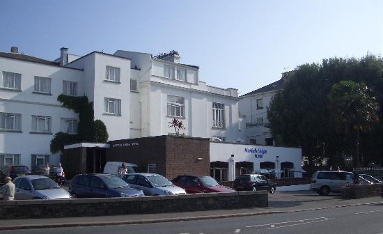 Norfolk Lodge Hotel : View from Outside