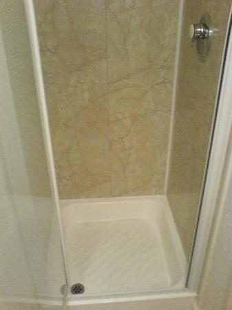 Ainsley House Hotel: Nice clean shower