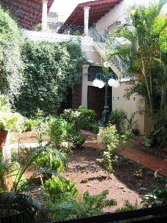Hotel Posada Toledo & Galeria : Lovely Spanish Courtyard