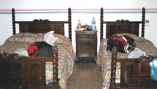 Hotel Posada Toledo & Galeria : Carved Beds