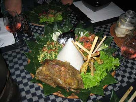 Komaneka at Tanggayuda: Our dinner.. delicious smoked duck.