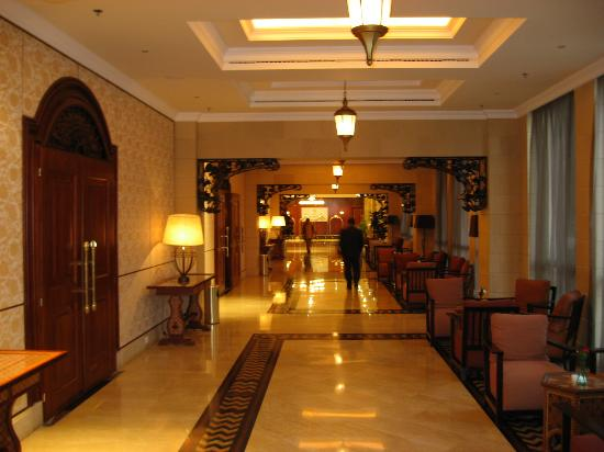 Oasis Hotel Jericho: Hallways at function rooms