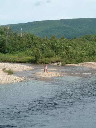 Margaree Valley, Canada : Kids at the top of the Fahey pool
