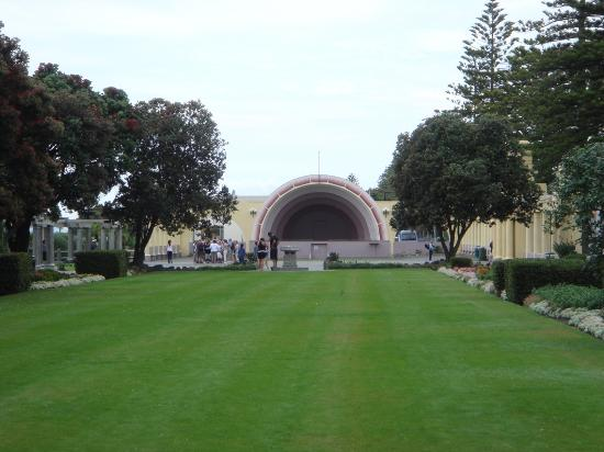 Napier, New Zealand: Sound Shell, Marine Parade- scene of many New Year Parties and concerts