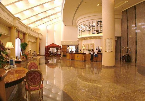 Le Royal Meridien Beach Resort & Spa: Lobby 2004
