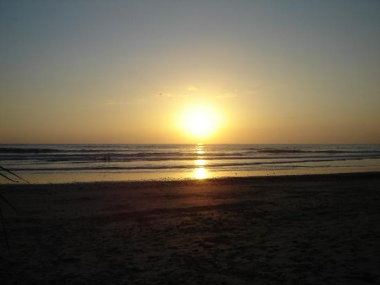 Tranquilo Backpackers: The Sunset in Mal Pais