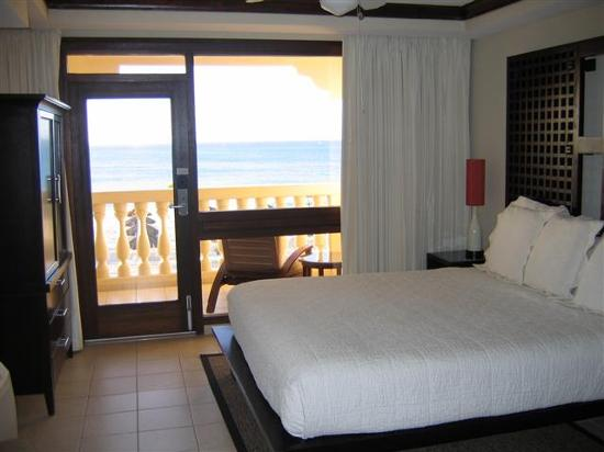 Bucuti & Tara Beach Resort Aruba: The bedroom at Tara Suites -- great beds!