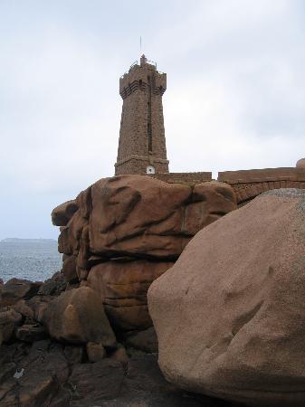 Ti al Lannec Hotel Restaurant & Spa : boulders of the rose coast