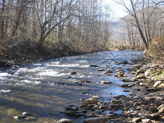 Maggie Valley, North Carolina: Jonathan Creek outside Maggie Valley