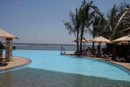 Baobab Beach Resort & Spa: Pool at Kole Kole