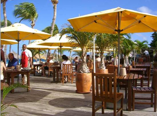 Bucuti & Tara Beach Resort Aruba: Pirate's Nest--Great setting, inferior food